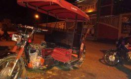 Delincuentes desmantelan motocar frente al ISFER