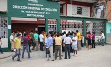 Maestros protestan por descuentos y UGEL señala que el 26 les devuelven